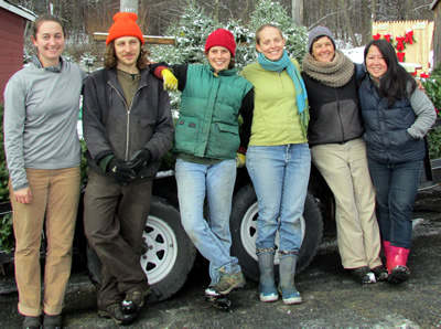 The Vermont wreath making crew.